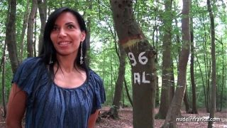 Georgous amateur exhib milf gets rendez vous in a wood before anal sex at home